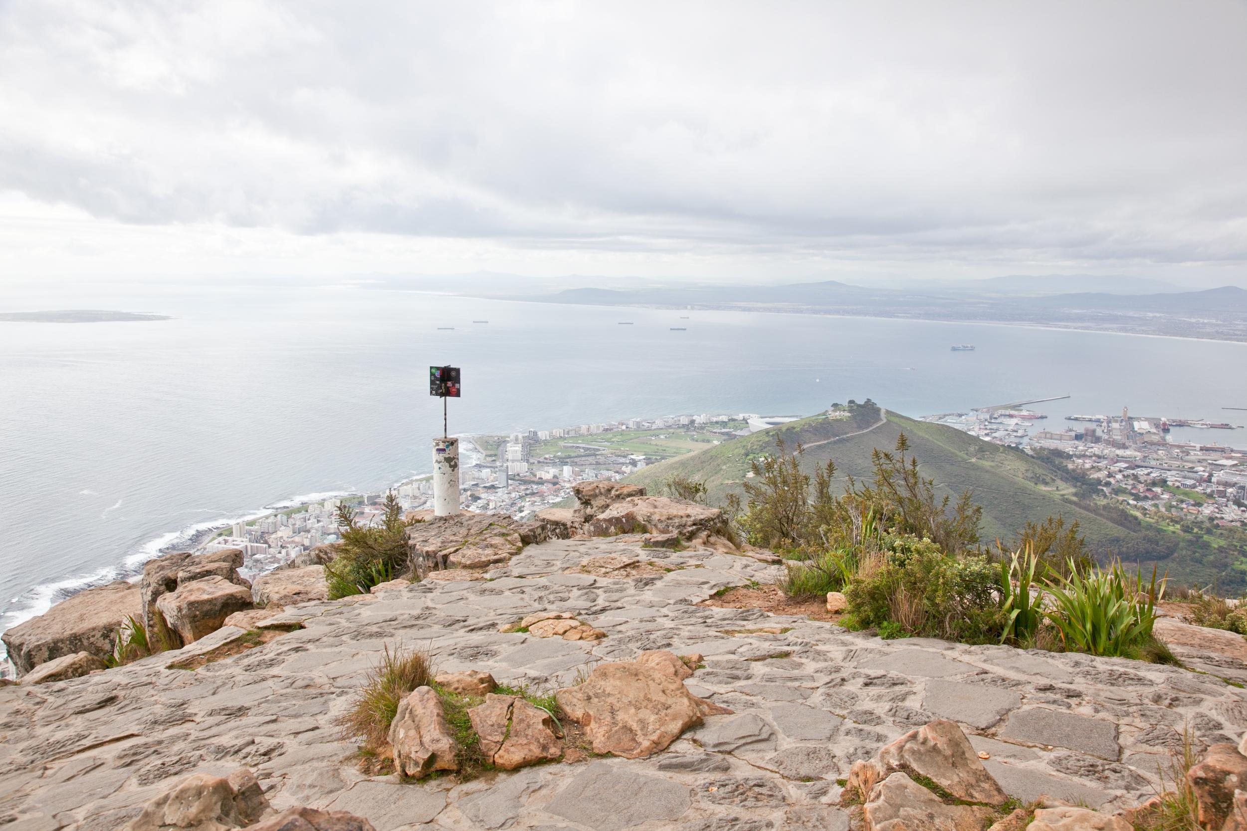 IMG_5068-hiking-lions-head-cape-town-trisa-taro.jpg