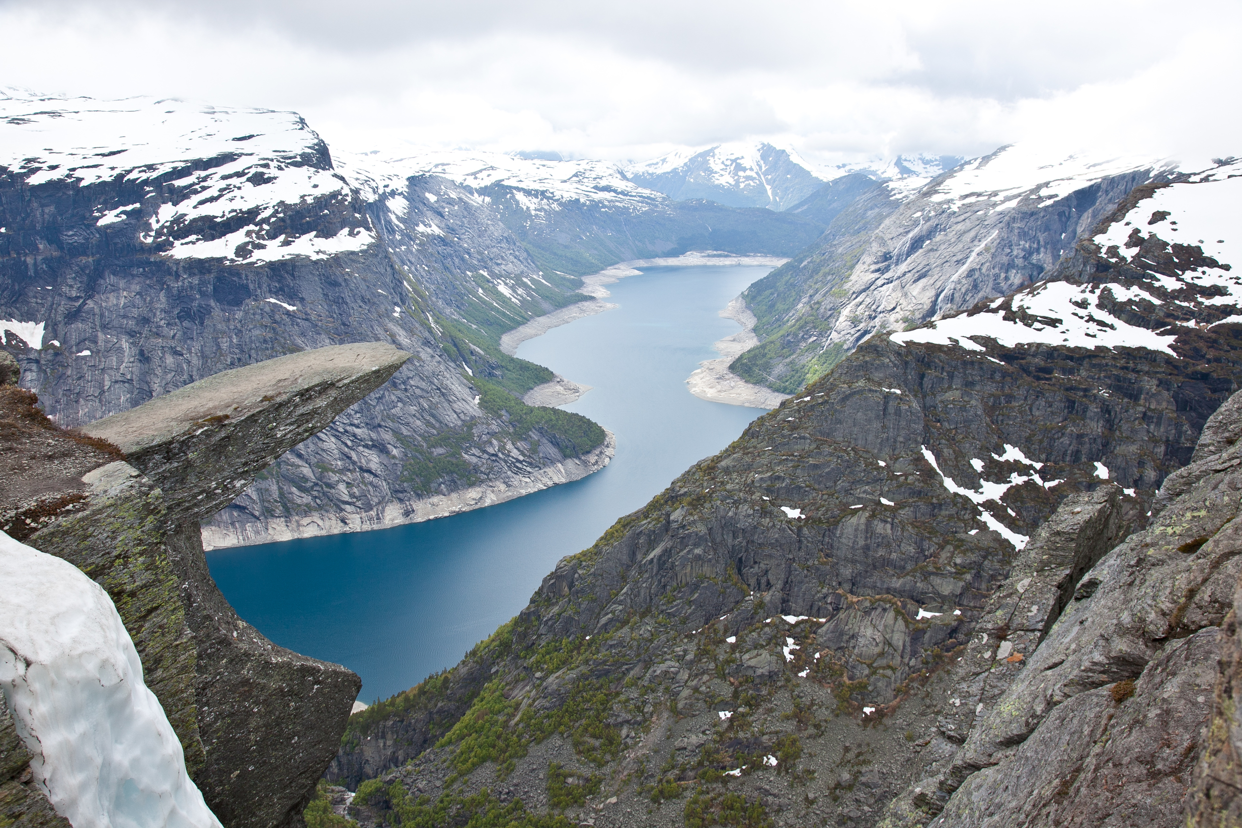 IMG_3761-trolltunga-norway-hiking-trisa-taro.jpg