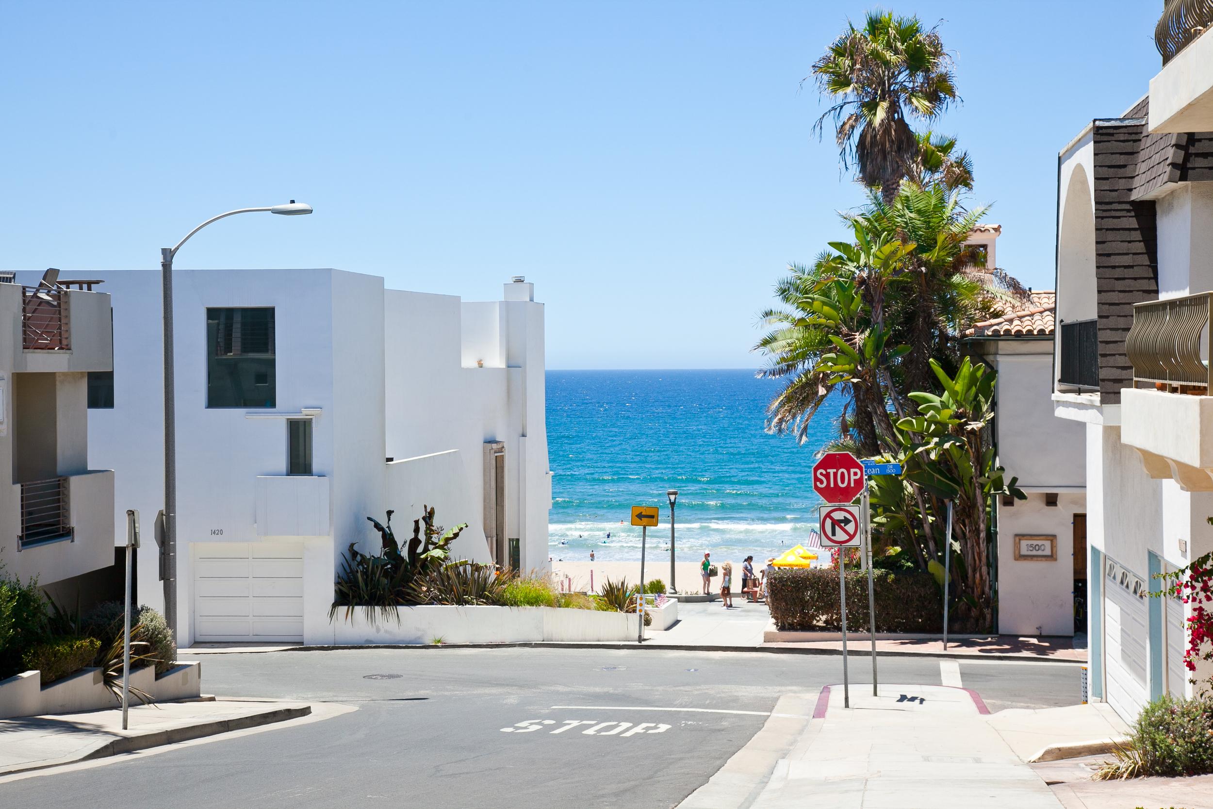 trisa-taro-street-manhattan-beach-LA.jpg