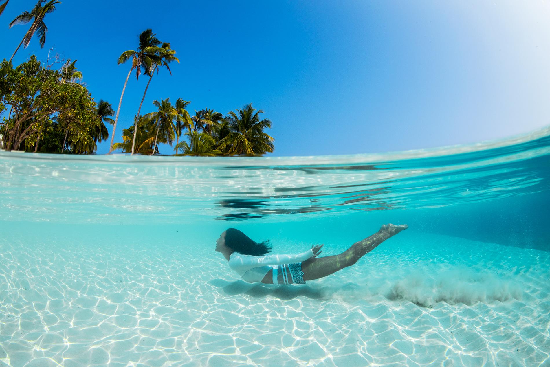 Diving in the Maldives via Gary Pepper Girl