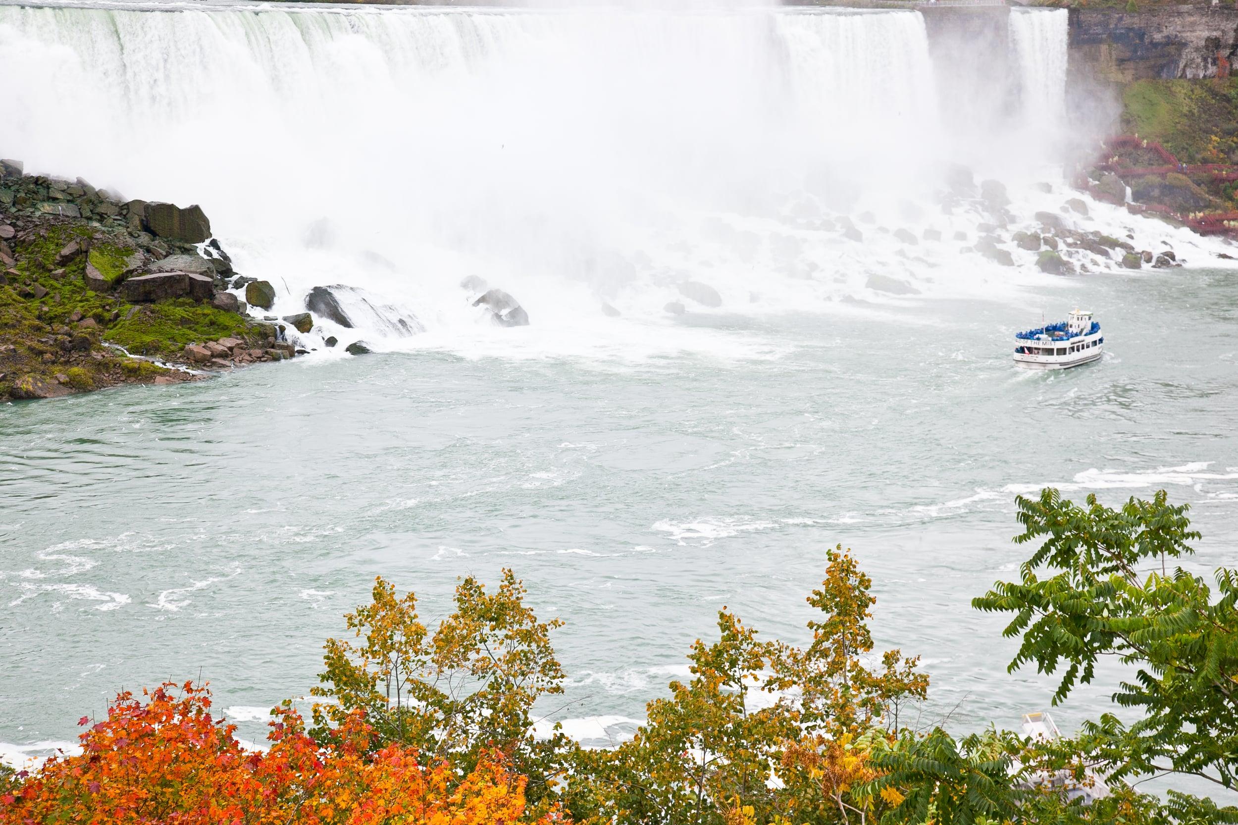 trisa-taro-niagara-falls-view-canada.jpg