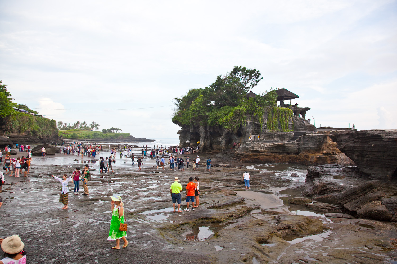 IMG_9851-pura-tanah-lot-temple-bali-trisa-taro.jpg