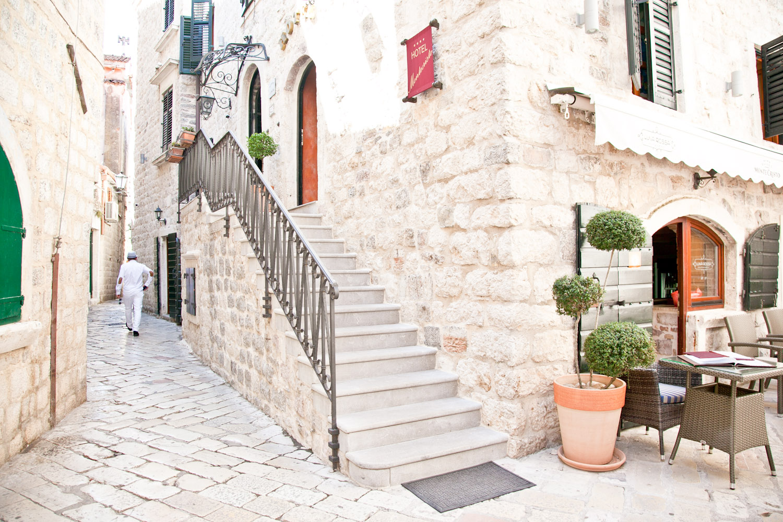 IMG_3577-montenegro-kotor-cruise-day-trip-travel-trisa-taro.jpg