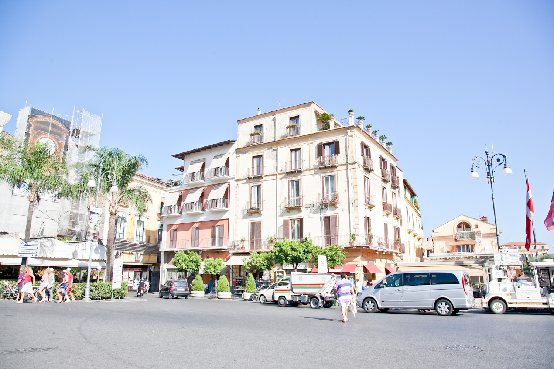 IMG_3424-italy-naples-day-trip-sorrento-amalfi-coast-travel-trisa-taro.jpg