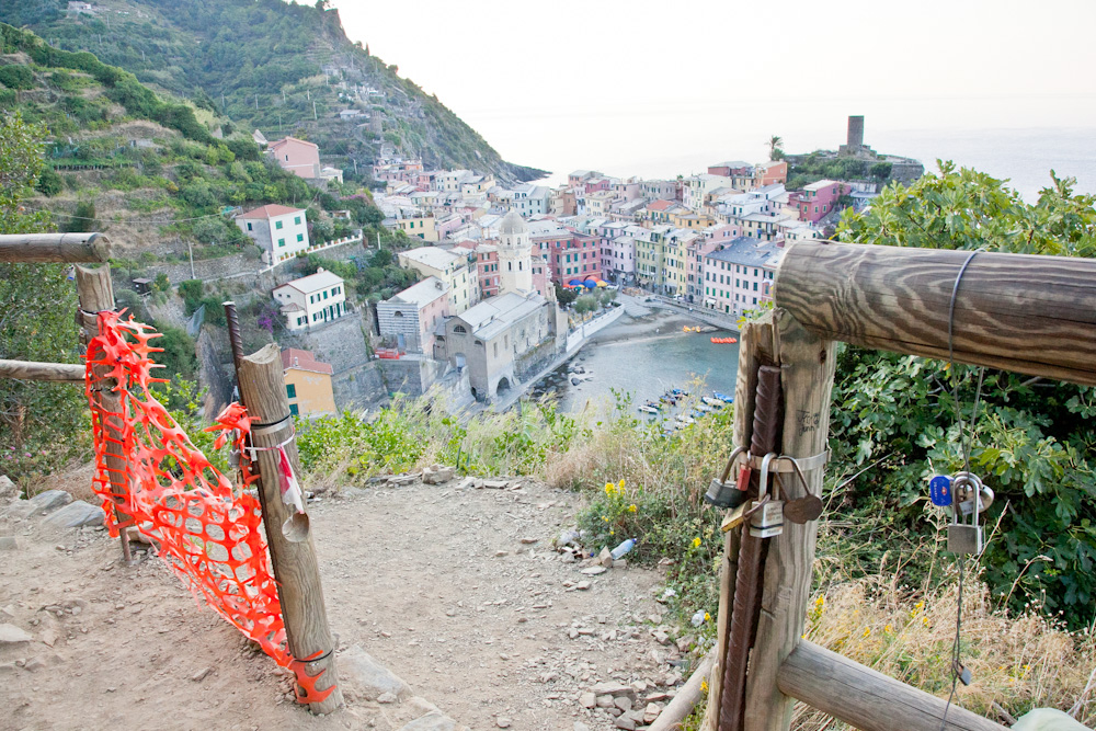 IMG_6776-hiking-vernazza-to-monterosso-cinque-terre-italy-trisa-taro-the-free-passport.jpg