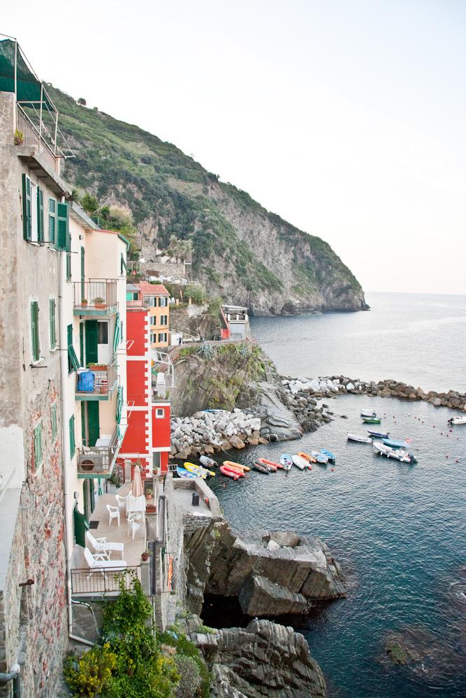 IMG_6164-riomaggiore-cinque-terre-italy-trisa-taro-the-free-passport.jpg