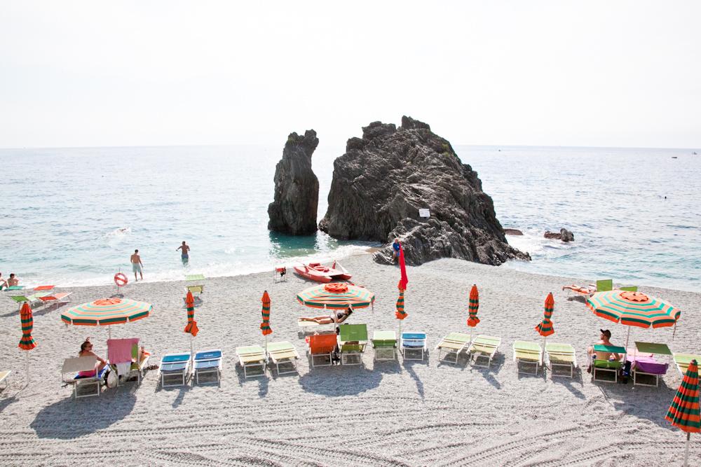 IMG_6316-beach-monterosso-cinque-terre-italy-trisa-taro-the-free-passport.jpg