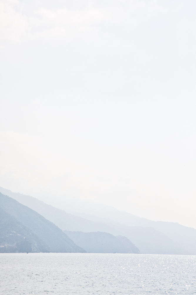 IMG_6855-hiking-vernazza-to-monterosso-cinque-terre-italy-trisa-taro-the-free-passport.jpg