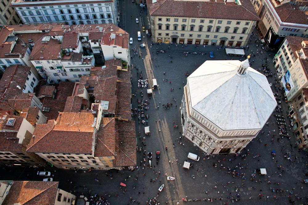 IMG_5754-climbing-belltower-duomo-florence-italy-trisa-taro-the-free-passport.jpg