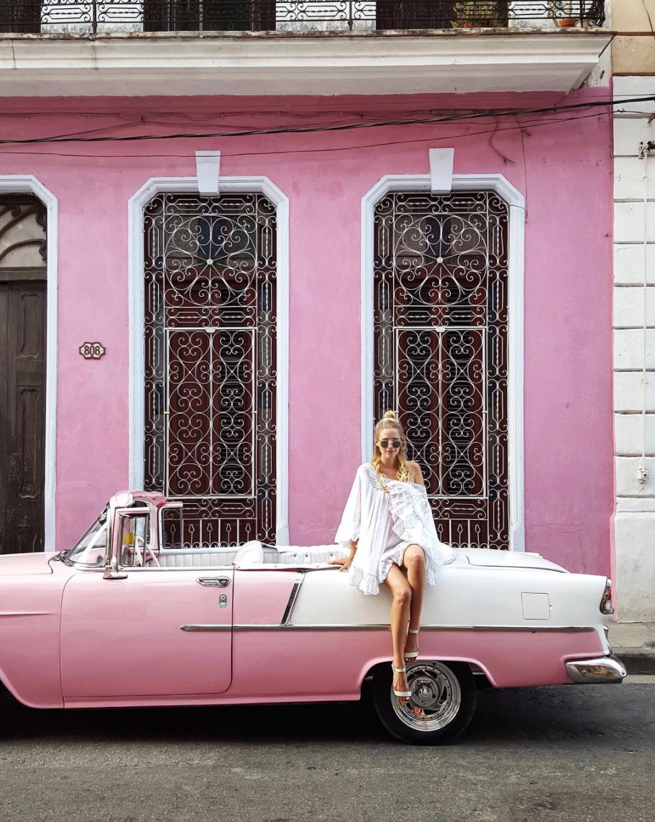 Street scenes in Havana   all via Ohh Couture