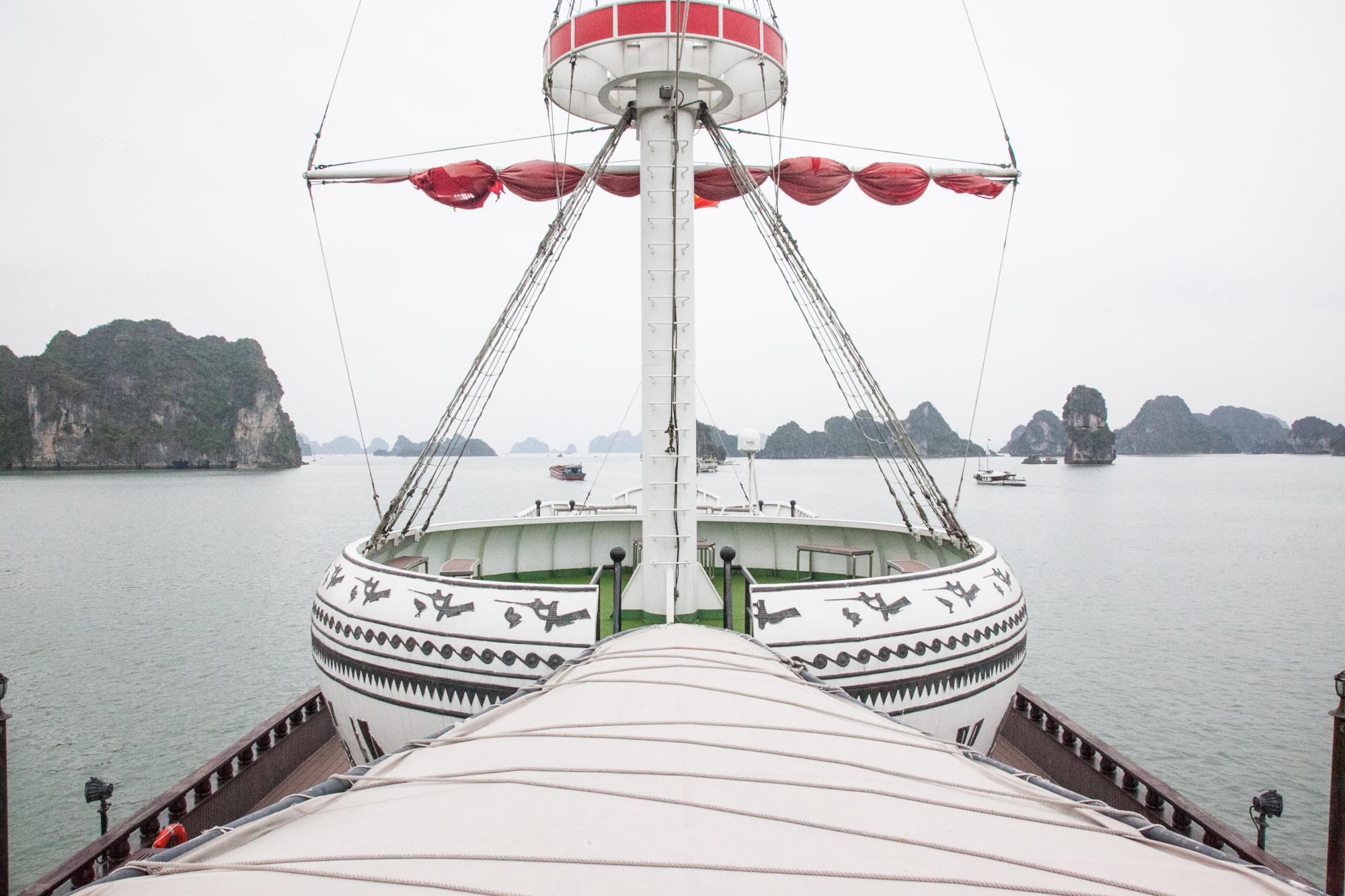 IMG_1383-bai-tu-long-bay-cruise-indochina-junk-vietnam-trisa-taro.jpg