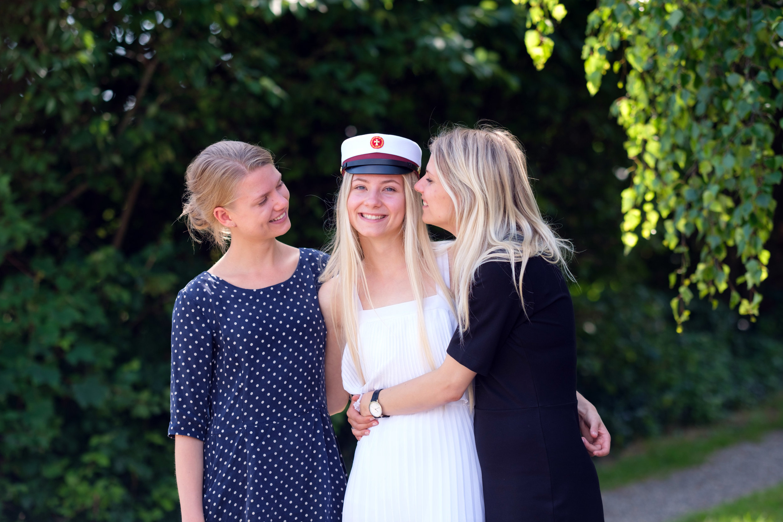 Laura and Emilie celebrate Sofie's graduation day