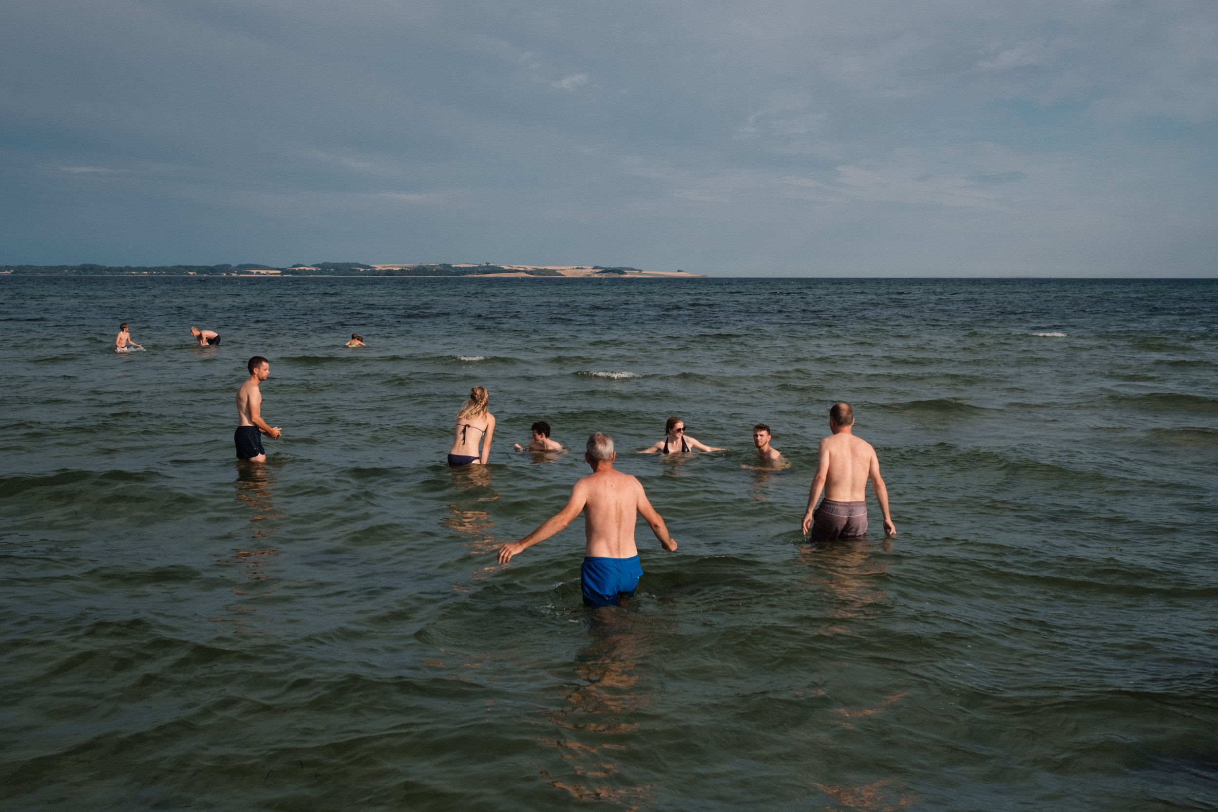 Simon's family joined us for a swim and evening picnic at the beach in Skæring.