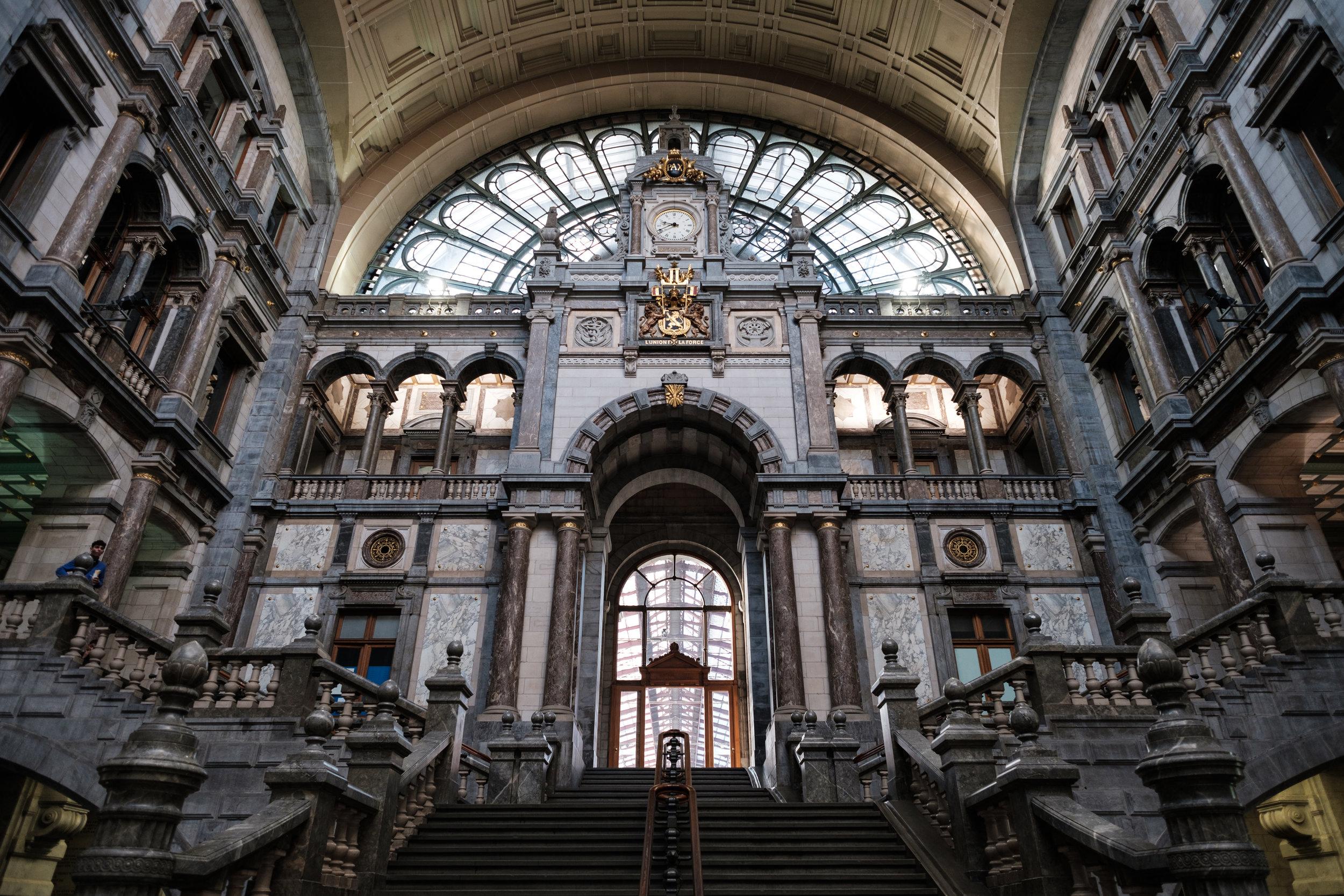 Antwerp Main Train Station,  Belgium , Fujifilm X-Pro2, XF 14mm f/2.8 R @ f/2.8