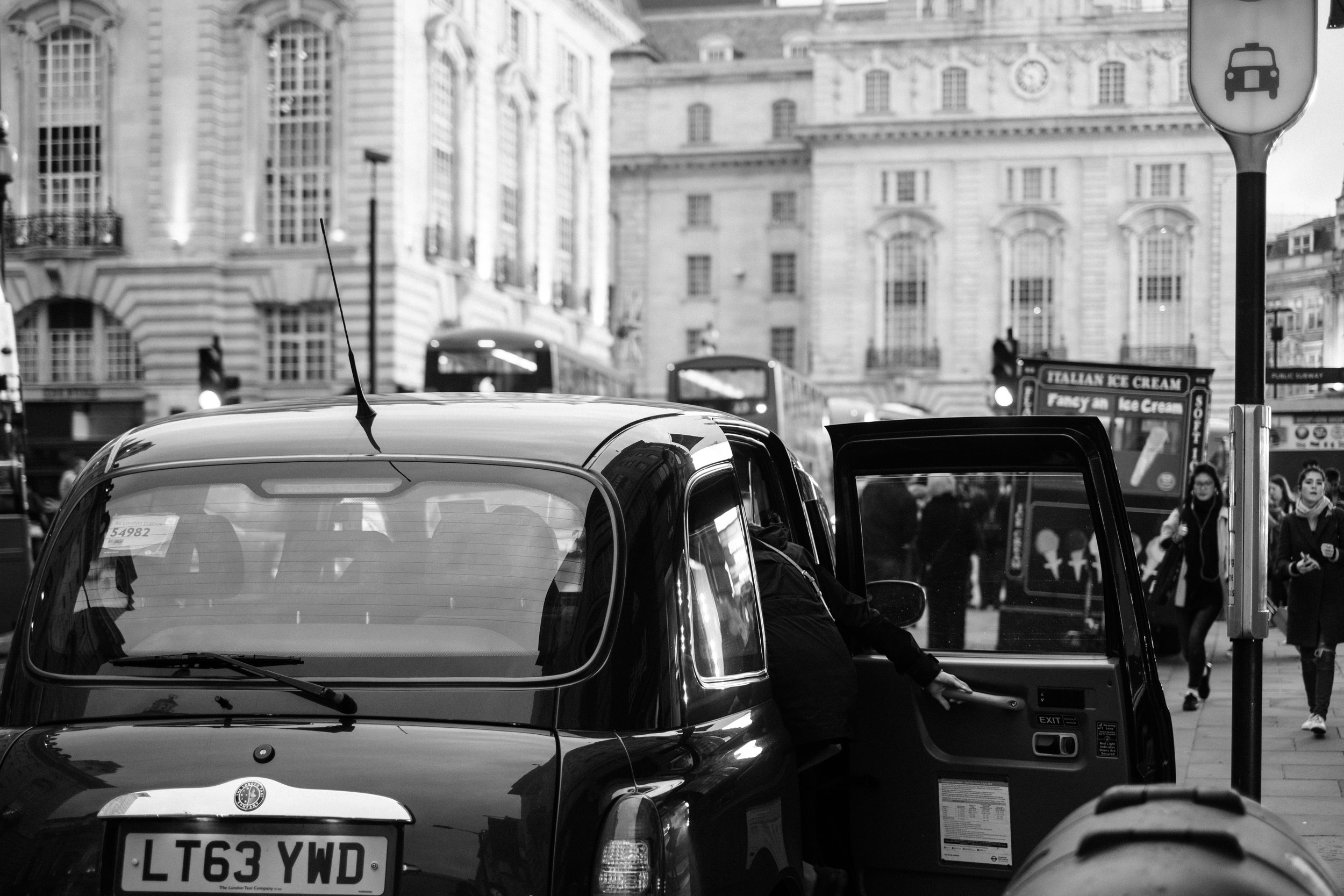 Cab ride near at Piccadilly Circus
