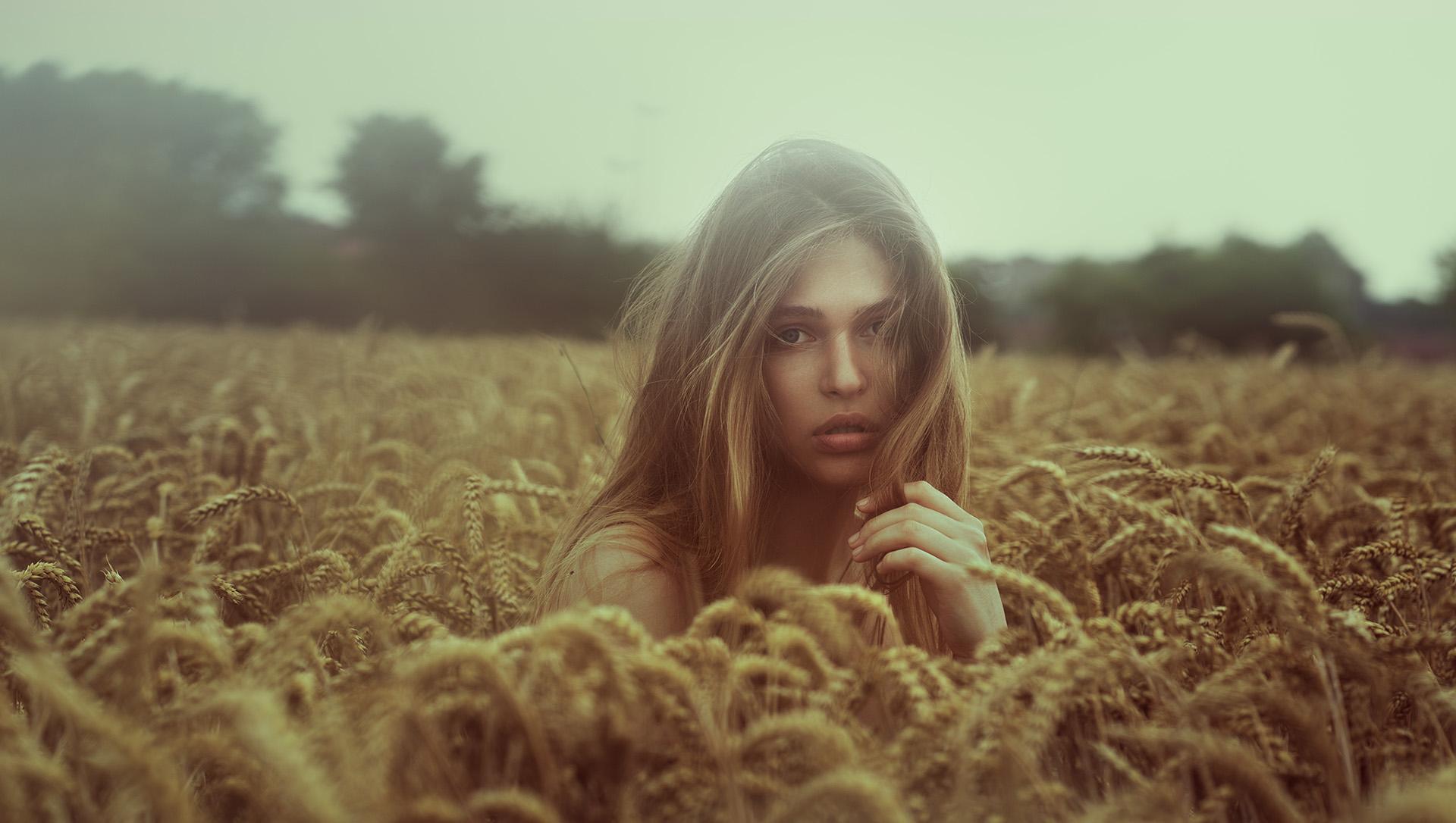 Aleksandra Wheat4 OO.jpg