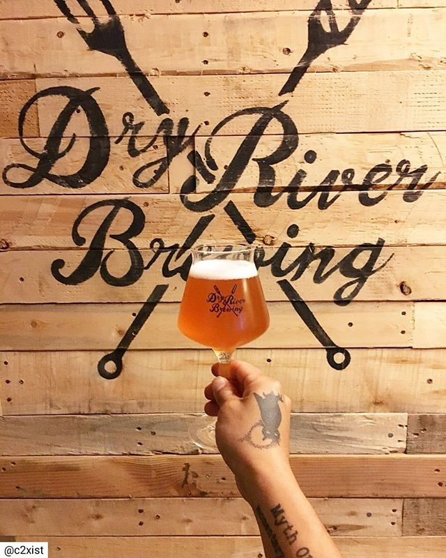 Cheers to the weekend! Swing by the taproom for some of your favorite #slowbeer ! 📷 @c2xist . . . #dryriverbrewing #weekend #DTLAbrewers #labeer #craftbeer #independentbeer #oktoberfest #drinkcraft #supportlocalbreweries