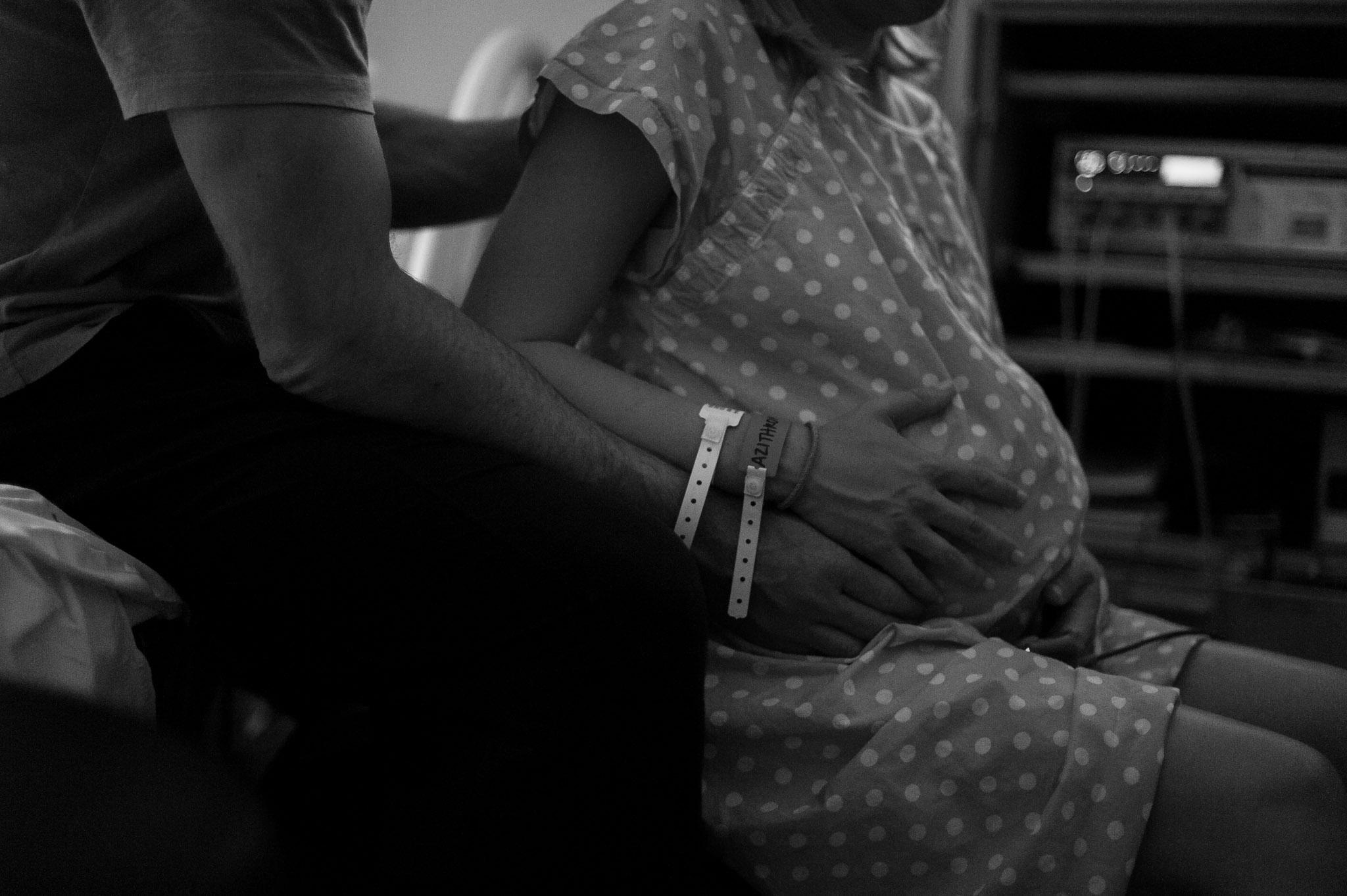 ventura birth photographer cmh early labor.jpg