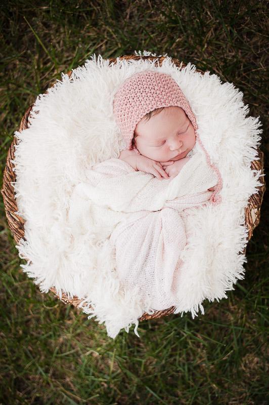 Outside newborn photography, Camarillo