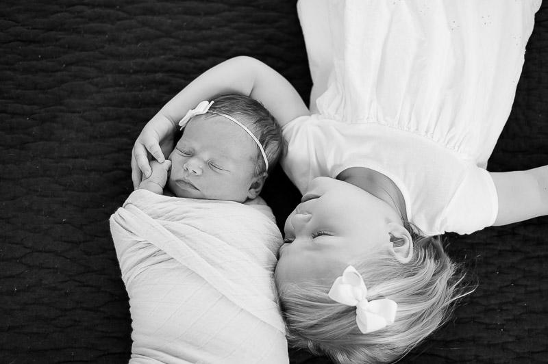 sisters baby photography camarillo.jpg