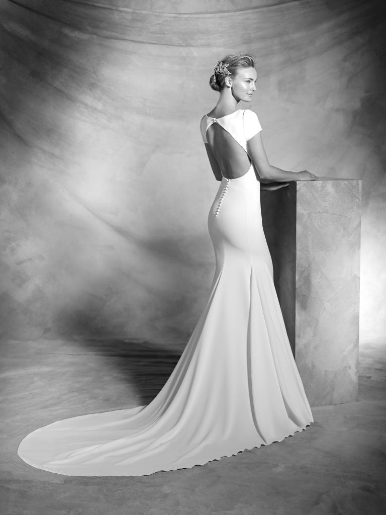 valeria-Pronovias-Atelier-wedding-dress.jpg