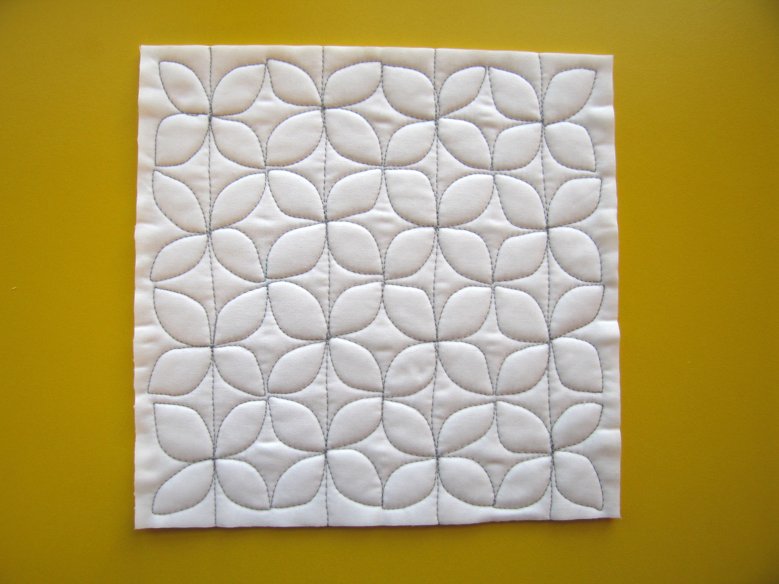 Dogwood quilting by Elizabeth Hartman. ohfransson.com