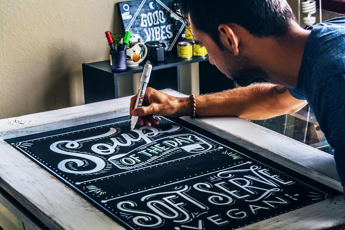 Chalk-lettering-menu-leo-gomez-studio-love-food-central-012