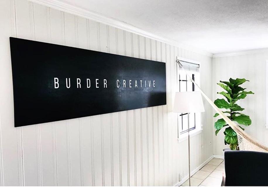 Leo-Gomez-Studio-Sign-painting-Burder-05