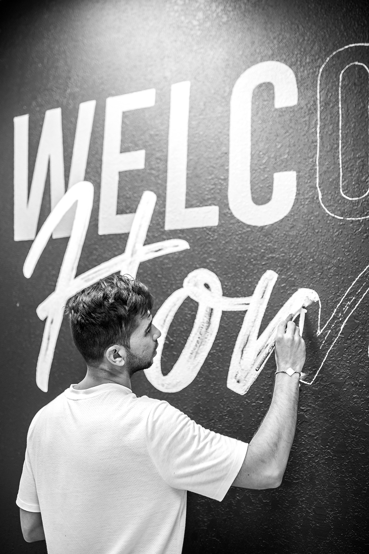 Leo-Gomez-Studio-Welcome-Home-Mural-07.jpg