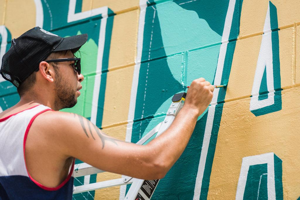 Leo-Gomez-Studio-Wild-Roots-Mural-02.jpg