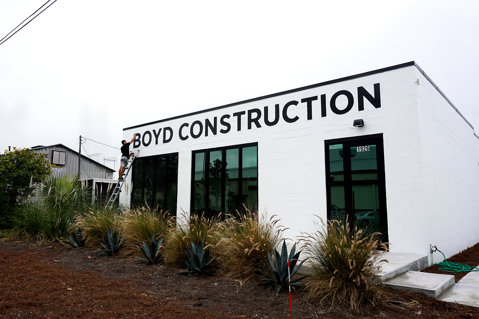 Boyd-Construction-Leo-Gomez-Studio-Hand-Painted-Sign-03.JPG