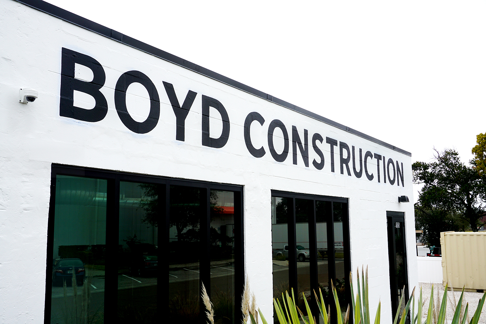 Boyd-Construction-Leo-Gomez-Studio-Hand-Painted-Sign-04.JPG