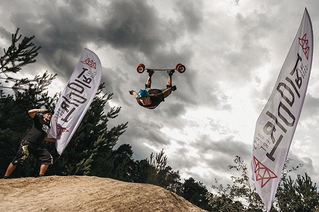 "Wish you all safe ""flight"" back home. Cheers #dirtdessert #mountinboarding #freestyle #actionphotography #sportphotographer #kranj #wmc"