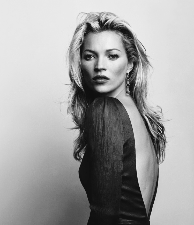 Kate Moss - Kate Moss seems to have timeless beauty. She has always looked good and still does. We'd be here all day if we were to list everything that makes Kate Moss beautiful. Instead let's focus on one area.Kate's jaw-line. Look how defined and sharp her jaw-line looks in this image. This really does add to Kate's good looks, but also gives a youthful look.We can offer non-surgical jaw augmentation from our Lancashire based clinic. This is a relatively painless procedure that will give you results instantly, without long recovery times.For more information on non-surgical jaw augmentation, click on Kate.