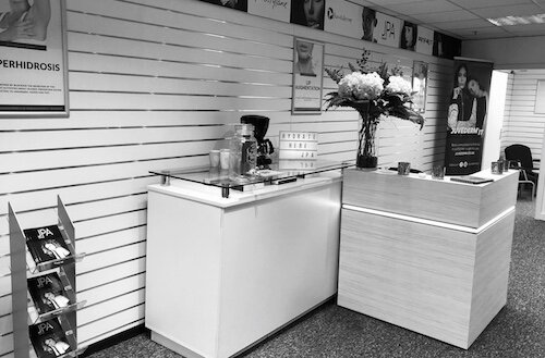 Kendal Clinic - JPA Kendal37-58Finkle StKendalLA9 4AL01539 628133info@juliepawsonaesthetics.co.uk