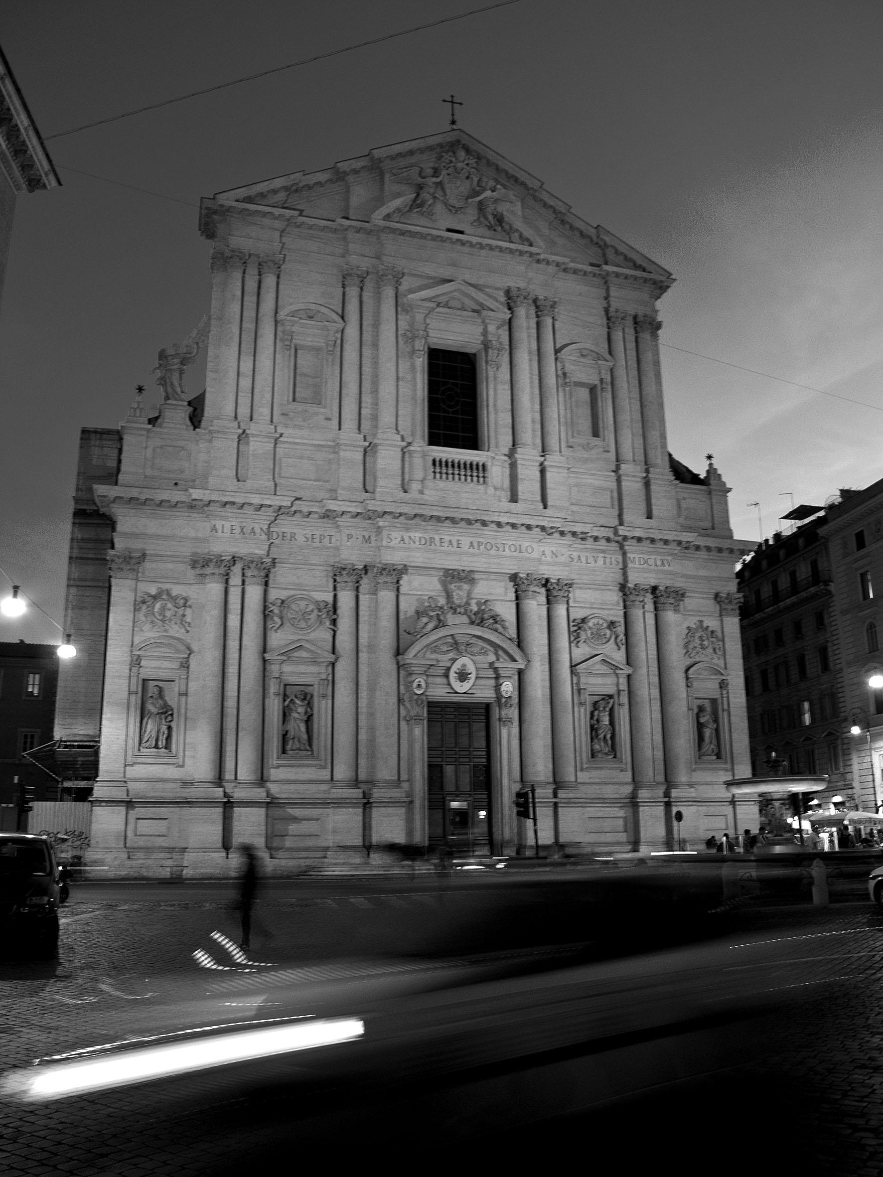 The Church Sant' Andrea della Valle at night