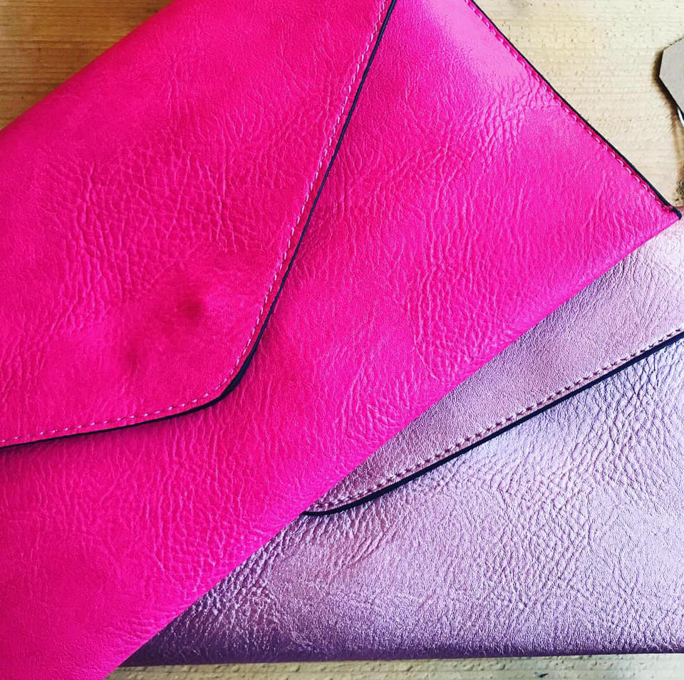 cluthc bags at Annie & Lolo