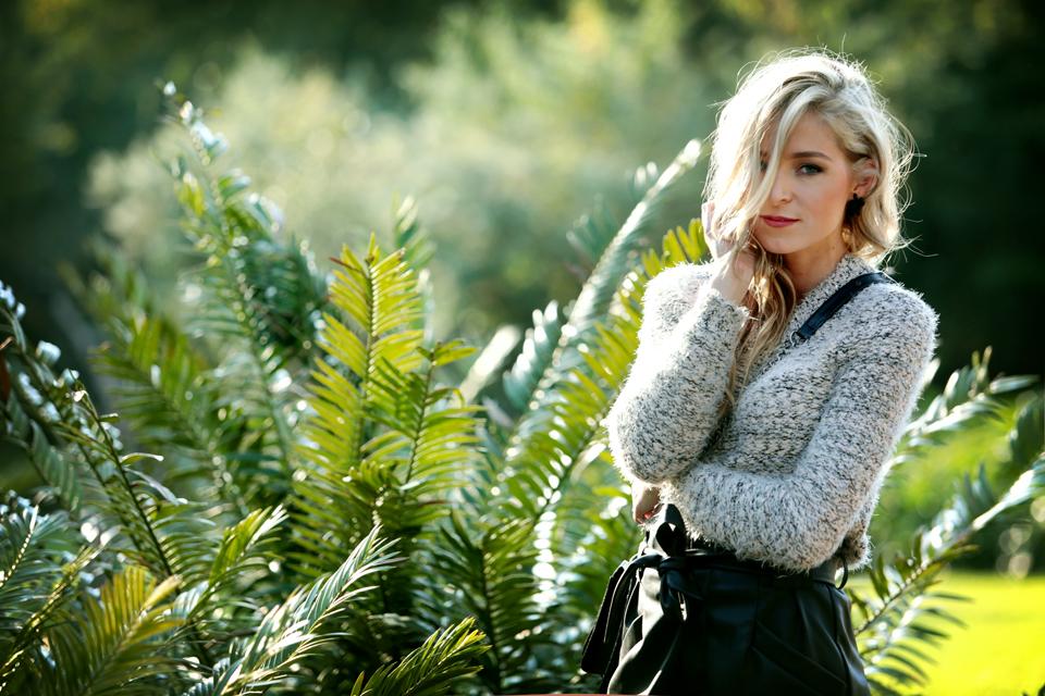 amandacusto-fashionblogger-yde-zara-leather-shorts-chanel-leboy-blonde-blogger-southafrica-002.jpg