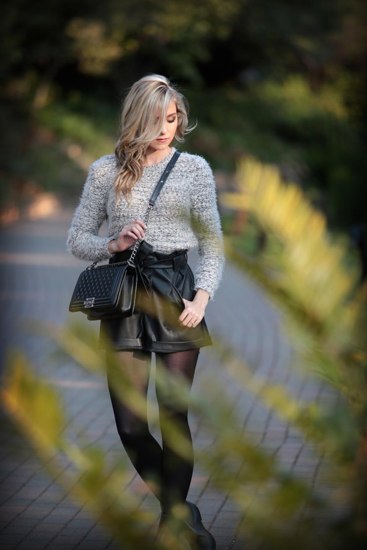amandacusto-fashionblogger-yde-zara-leather-shorts-chanel-leboy-blonde-blogger-southafrica-001.jpg