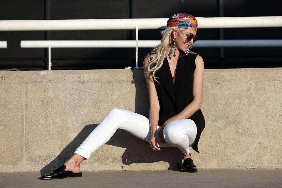 zara-scarf-3-ways-to-wear-a-scarf-rome-blogger-italy-travel-blogger-amanda-custo-005.jpg