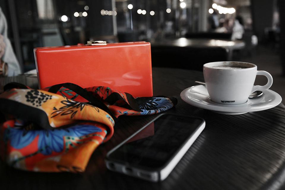 zara-scarf-3-ways-to-wear-a-scarf-rome-blogger-italy-travel-blogger-amanda-custo-007.jpg