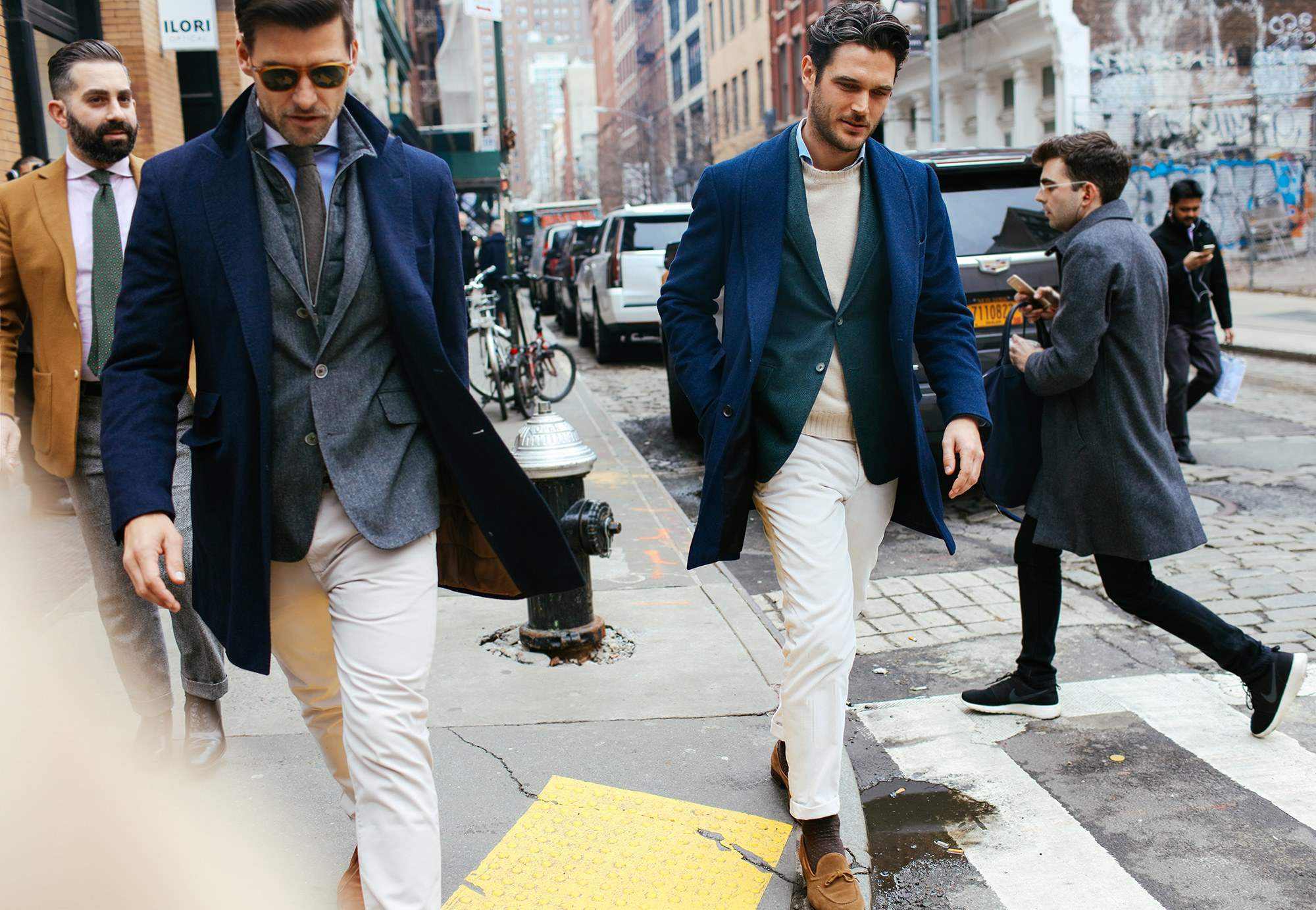 Returns the navy blazer - Use the navy suit jacket as a blazer and simplify into a toned down, weekend look.