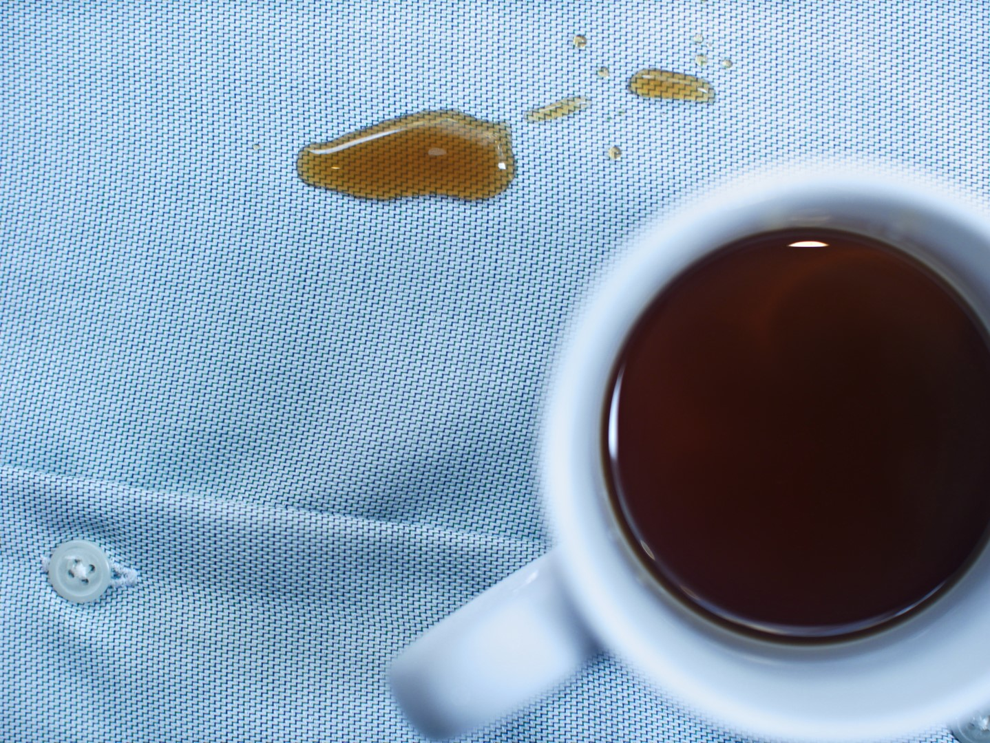 Stain Resistant - The hydrophobic coating also means stains just wipe off, whether its your daily coffee or a spot of ketchup
