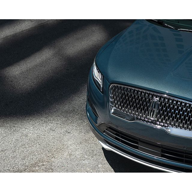 A strong signature. The redesigned grille on the 2019 #LincolnMKC marks a true arrival. . . . . #instacar #luxurycars #auto #cargram #carsofinstagram