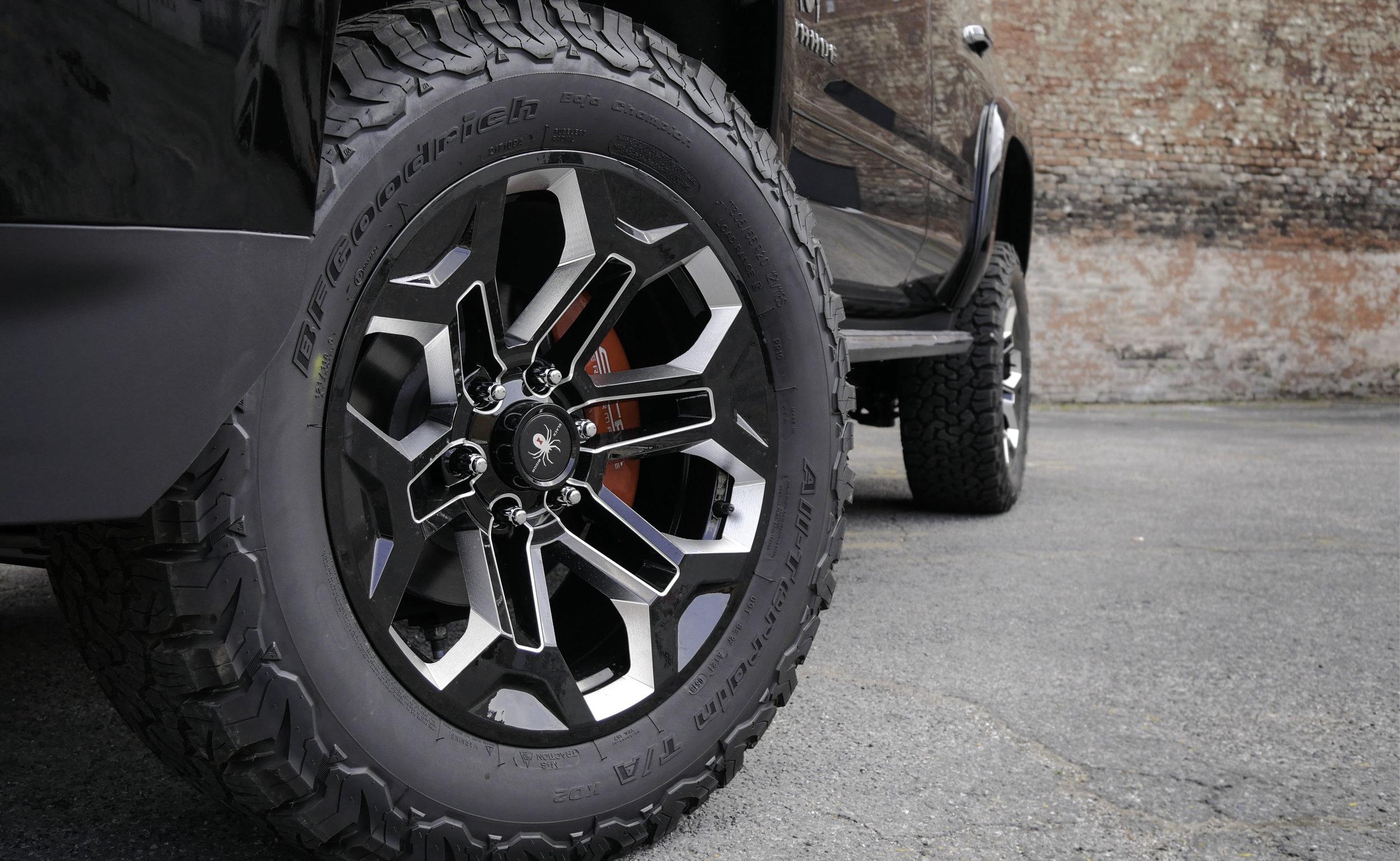 Chevy Tahoe BW Wheel.jpg