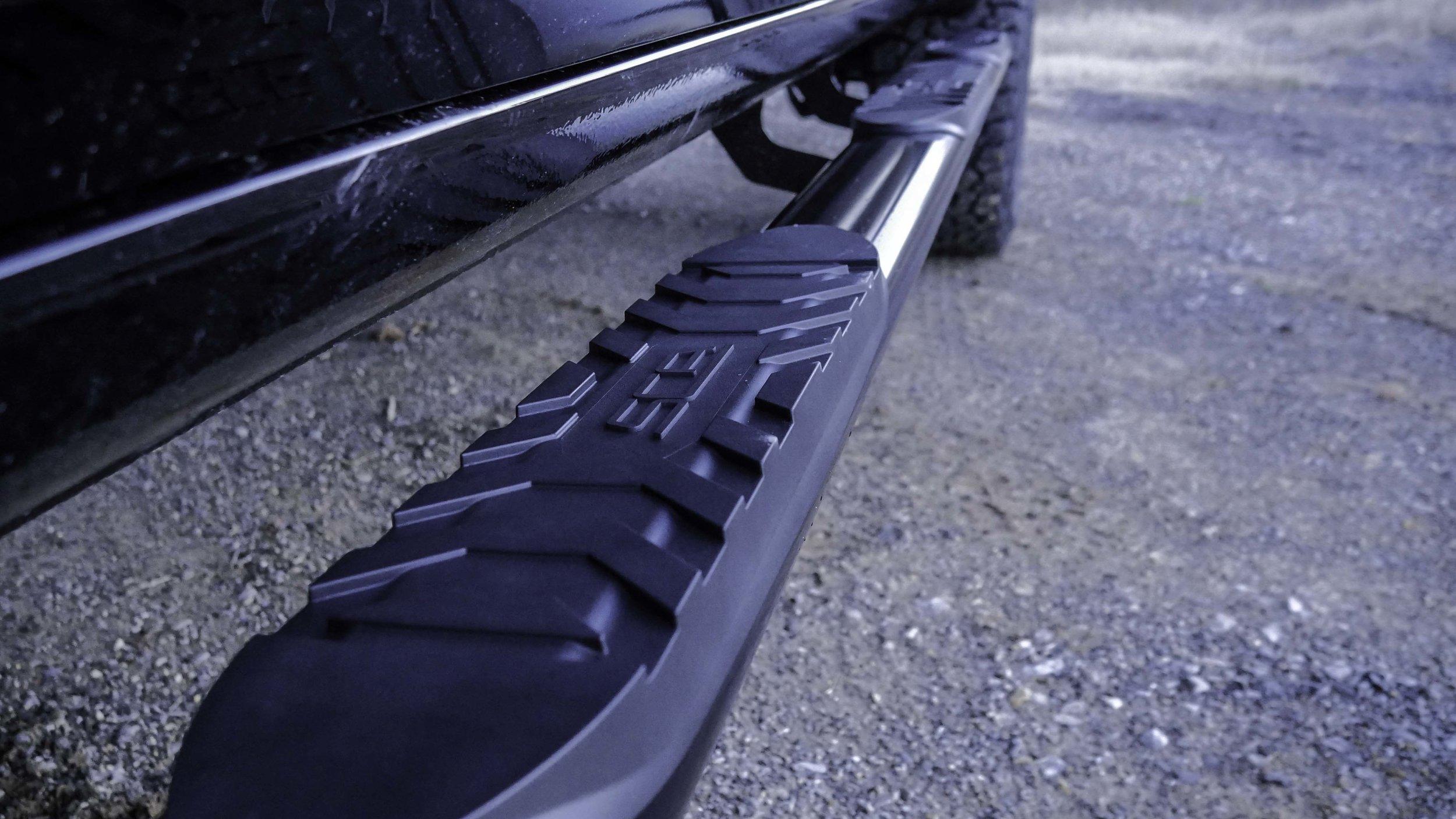 2019 Chevy Apex SCA Side Step.jpg
