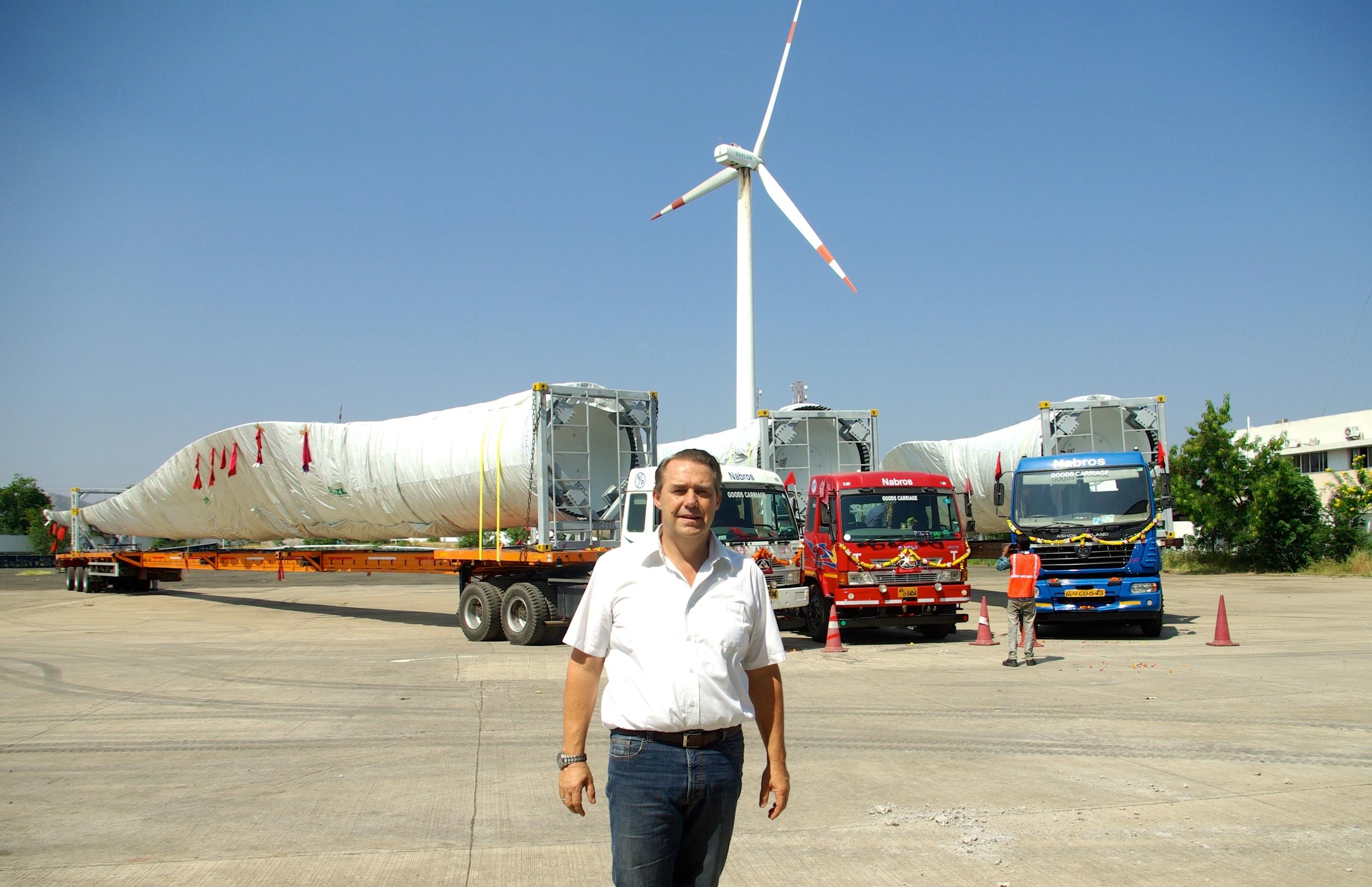 Gosse Wielinga op de productielocatie in India