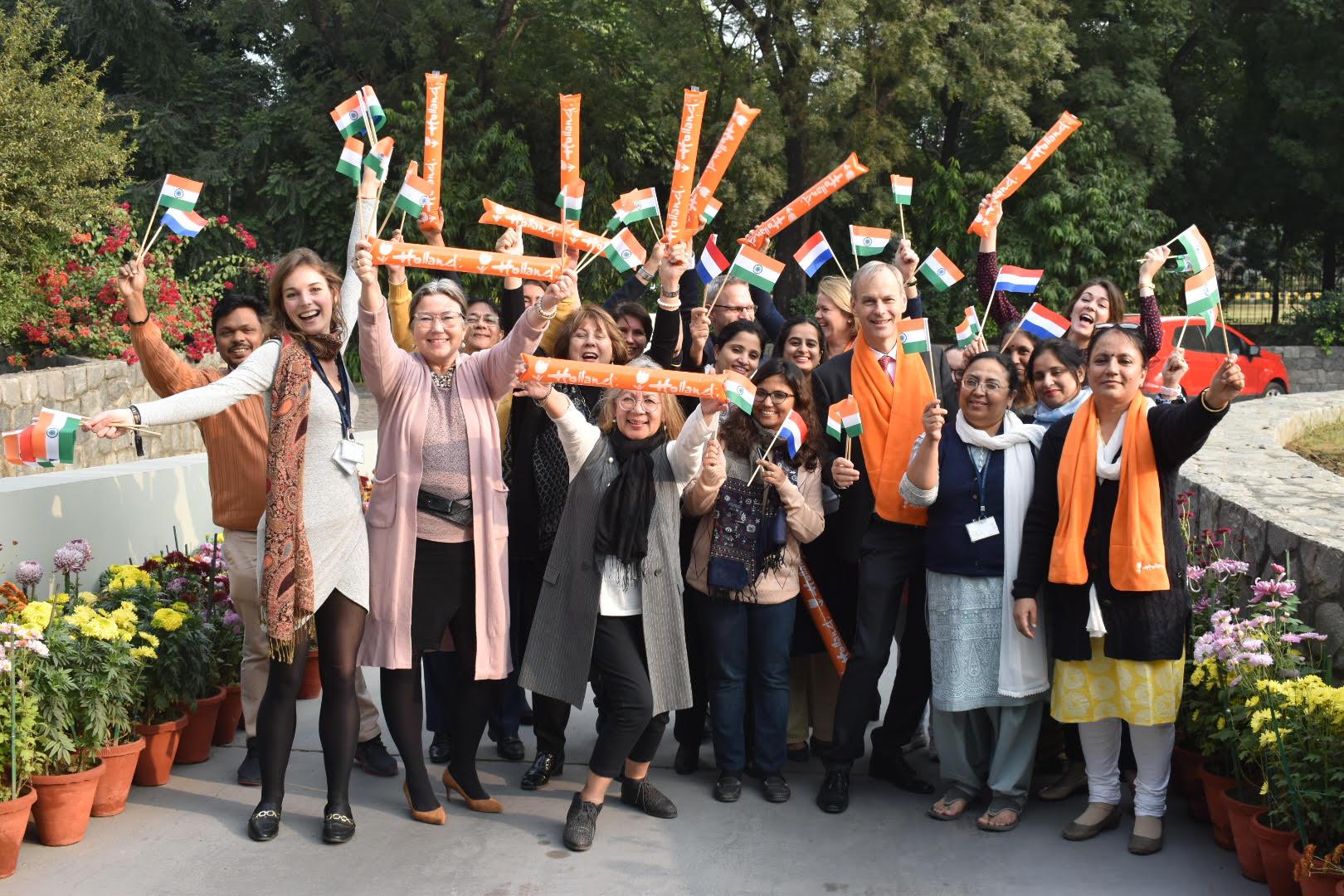 Medewerkers van de Nederlandse Ambassade in New Delhi (foto: NL Ambassade New Delhi)