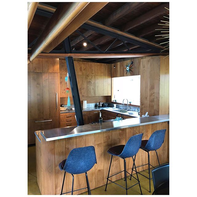 #Millwork we did for the renovation of #JohnLautner #Gantvoort residence; the goal was to keep with #Lautner original design intent. Another great project with @bronstruction  After//Before  #custommillwork #customcabinetslosangeles #losangelescabinets #woodfabrication #craftsmanship #carpentry #cabinetrydesign #modernism