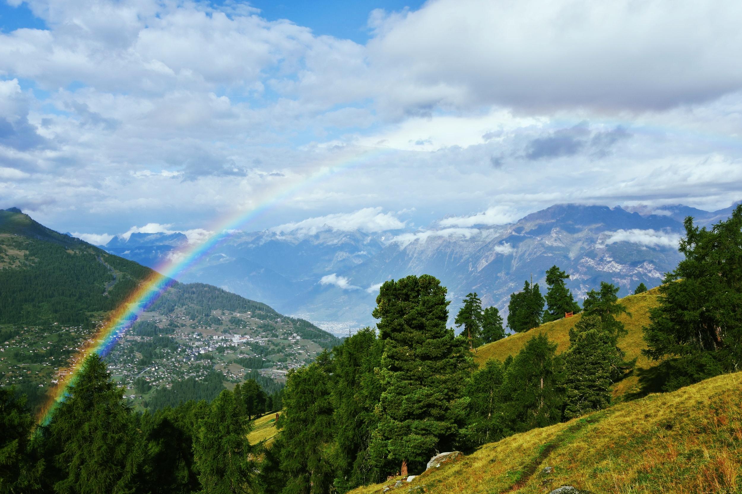 Regnbåge över Alperna - ännu en sak att vara tacksam över.
